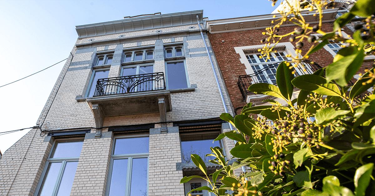 wymiana okien i drzwi w budynku zabytkowym
