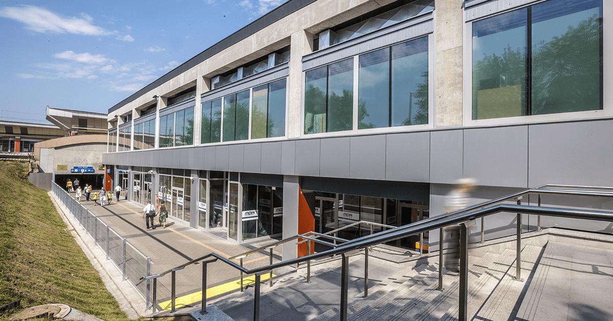 okna i drzwi do budynków użyteczności publicznej wymagania